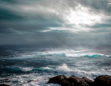 台风下狂暴的大海图片