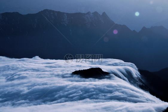 牛背山风景图图片