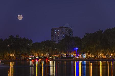 后海月夜图片