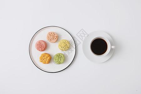 桃山皮月饼与咖啡图片