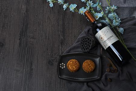 红酒和月饼图片