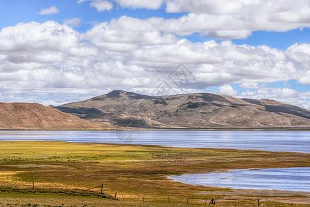 阿里多情措山水美景图片