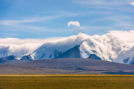西藏阿里高山云海自然美景图片