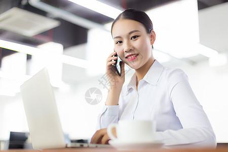 办公室商务女性形象图片