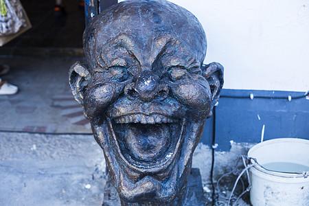 笑脸表情的雕塑图片