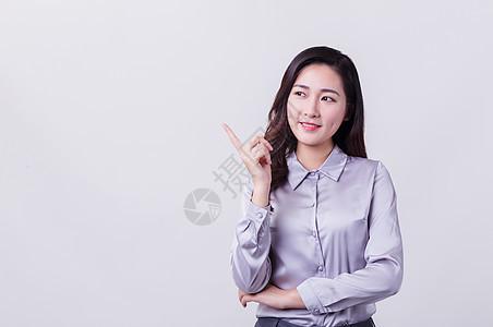 微笑职业女性科技手势动作图片