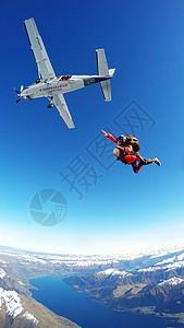 新西兰皇后镇极限运动跳伞航拍风景照图片