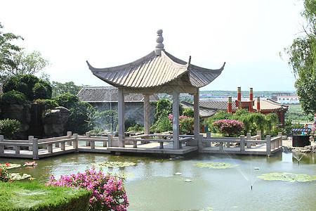美丽的古典花园图片