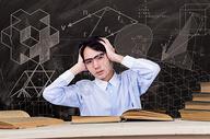 大学生学习考试压力 图片