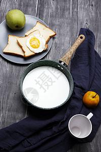牛奶面包早餐图片