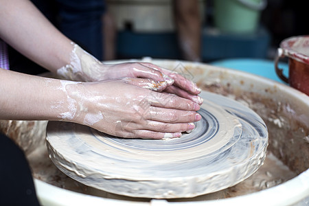 匠心匠人制作陶艺图片