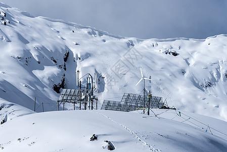 色季拉山口太阳能工作站图片