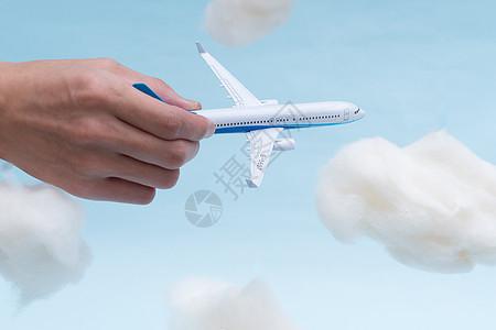 飞机在云中图片
