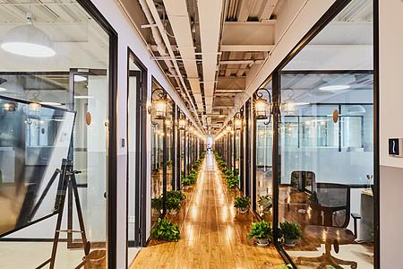 联合办公孵化器创意园区办公室走廊图片