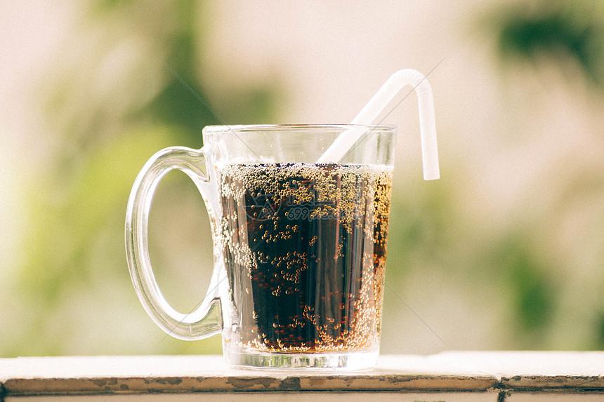 夏季清新可乐图片