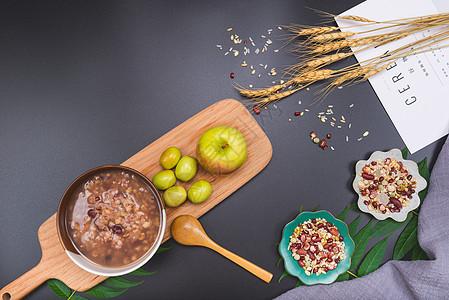 五谷杂粮养生粥图片
