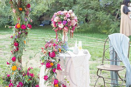 玫瑰花园休息处图片