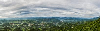 山峦起伏的全景图图片