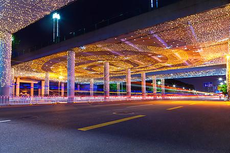 城市路面夜景图片