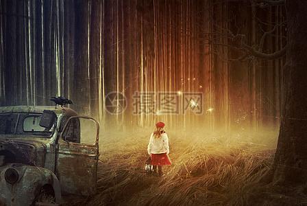 森林里迷路的小女孩合成图片