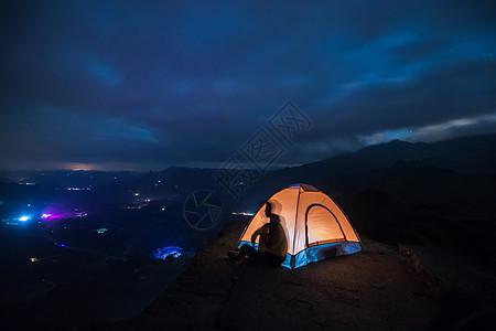 夜晚星空帐篷露营图片