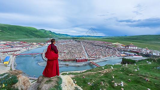 亚青寺全景图片