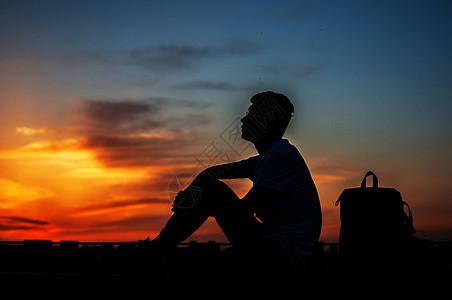 孤独的少年图片