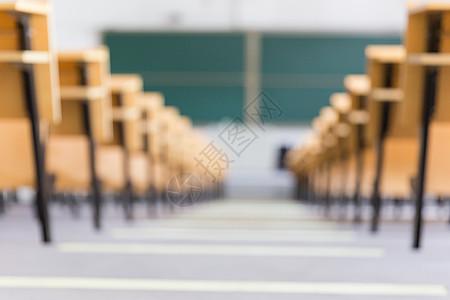空荡荡的大学教室图片