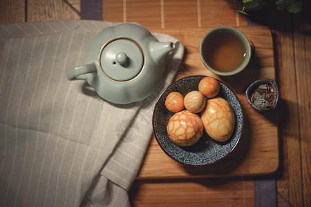 茶叶蛋与茶壶图片