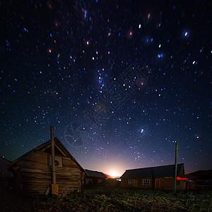 星空下的小木屋图片