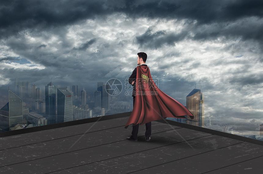 楼顶的成功男士图片