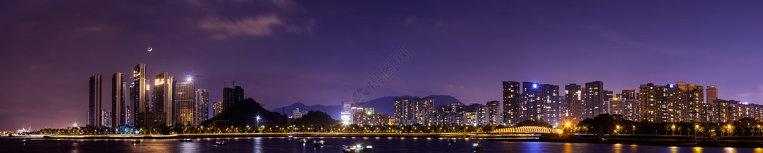 海岸城市夜景风光图片