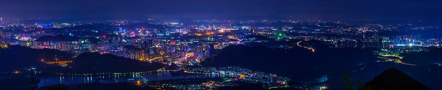 山丘区城市夜景图片