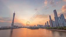 霞光漫天中的广州塔图片