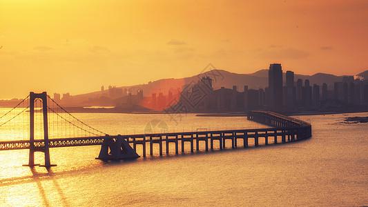 黄昏下的大连跨海大桥图片