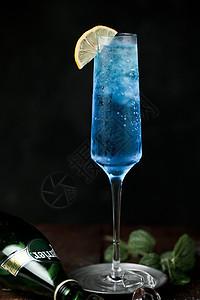 沁爽蓝色夏威夷柠檬鸡尾酒图片