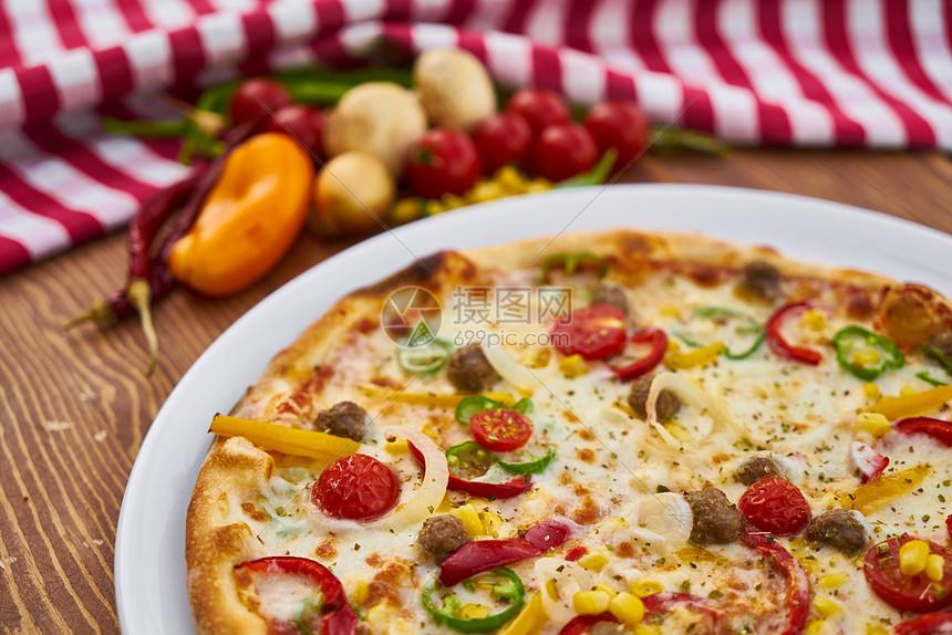 美味的披萨饼图片