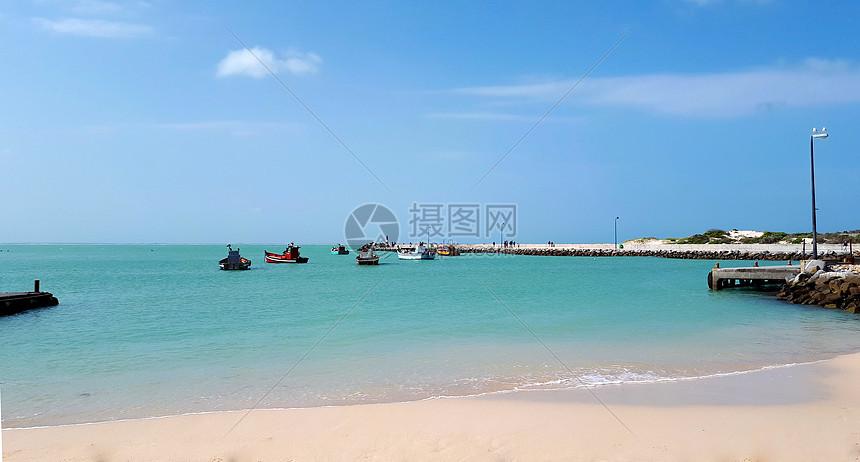 蔚蓝大海与海滩图片