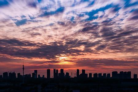 夕阳下的楼群图片