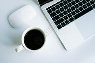 白领办公元素咖啡笔记本电脑图片