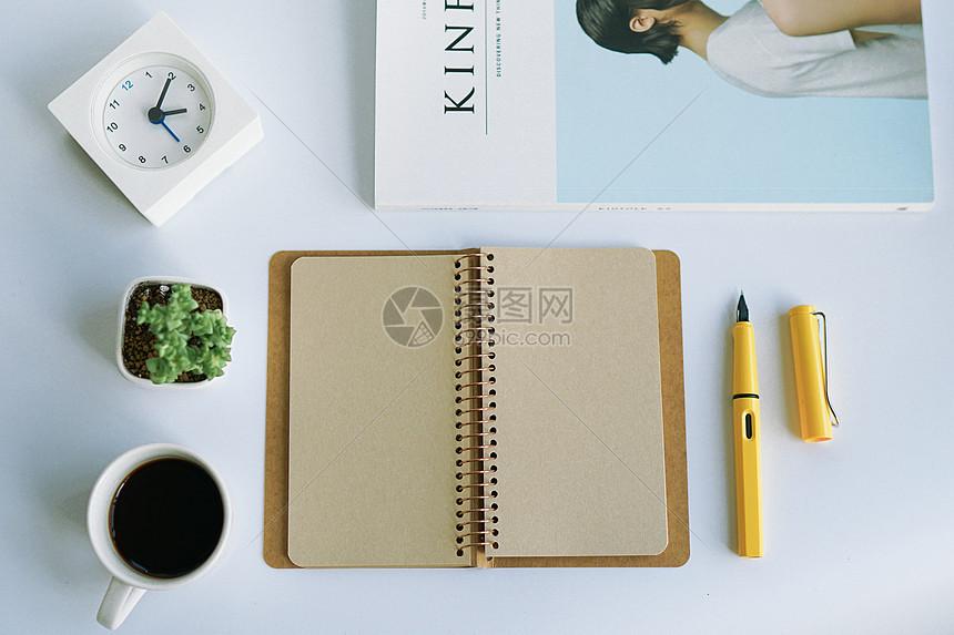 白领办公元素咖啡记事本书籍图片