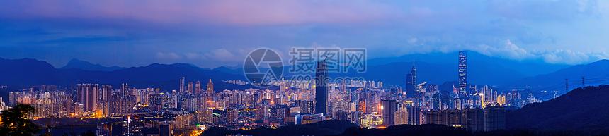 华灯初上城市夜景图片