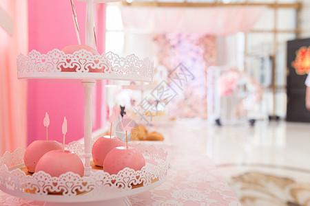 婚礼甜品区布置图片