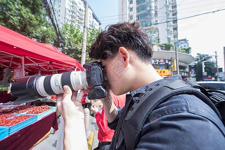 摄影师用长焦扫街图片