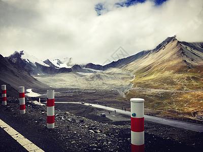 新疆天山山脉独库公路图片