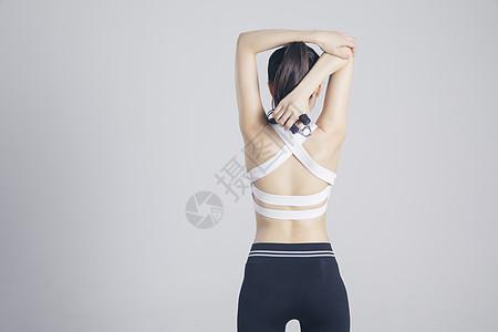 握力器健身的运动女性图片