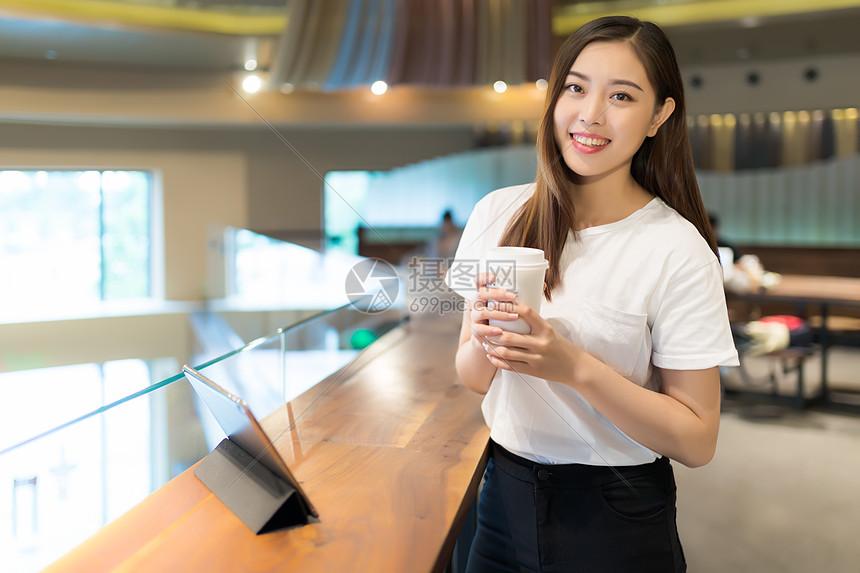 咖啡馆女孩网络购物图片