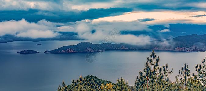 云南泸沽湖日出美景图片