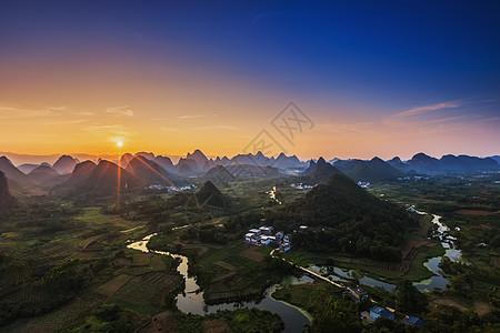 广西桂林阳朔翠屏日落美景图片