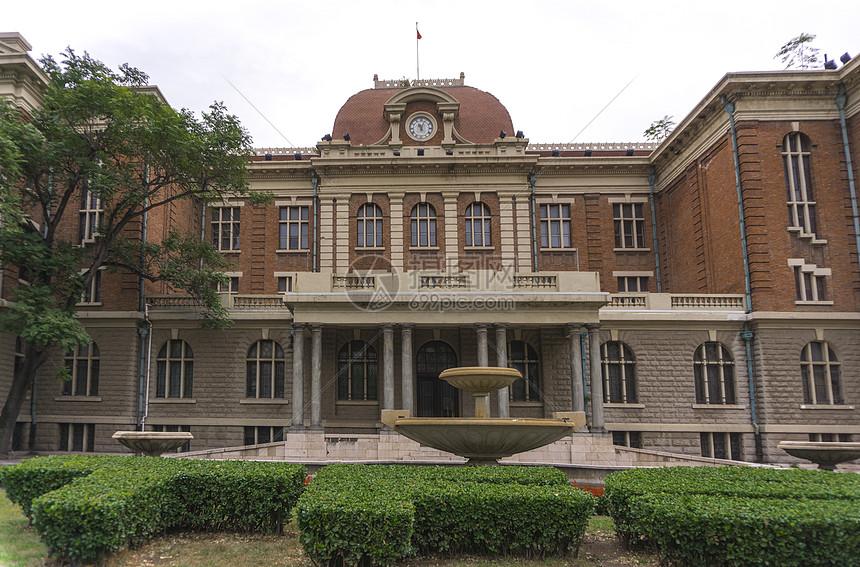 天津外国语大学图片